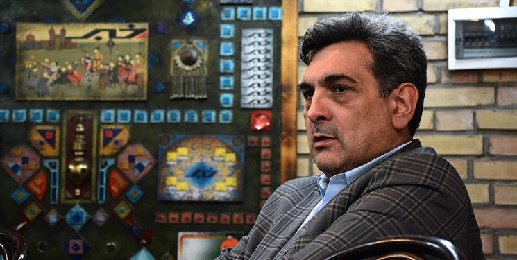 شهردار تهران درخصوص نصب دکلهای مخابراتی تذکر گرفت